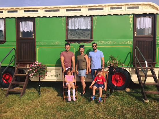 Dorset Heavy Horse Farm Park - Family Visits